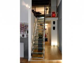 モダンスタイルの 玄関&廊下&階段 の danielainzerillo architetto&relooker モダン