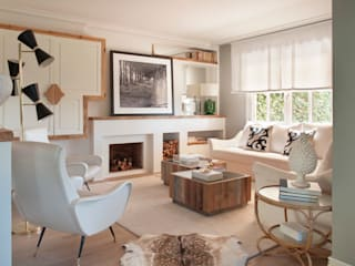 Living room by BELEN FERRANDIZ INTERIOR DESIGN