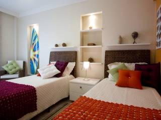 Camera da letto in stile  di Arquitetura 8 - Ana Spagnuolo & Marcos Ribeiro