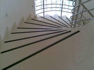 Corredores, halls e escadas modernos por Ege Mermer Granit Moderno