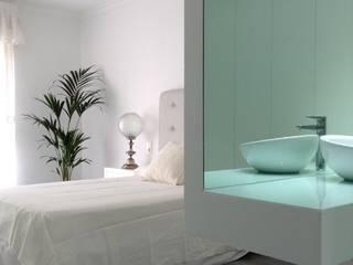 ミニマルスタイルの お風呂・バスルーム の Dulce Albarracin ミニマル