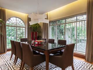 Dining room by Deborah Basso Arquitetura&Interiores, Minimalist