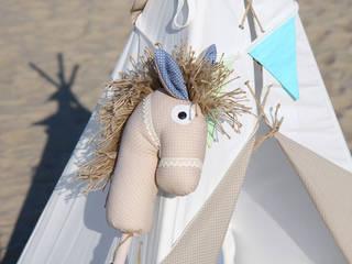 Koń na kiju Ajku Beżowy : styl , w kategorii  zaprojektowany przez Ajku
