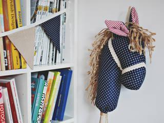 Koń na kiju Ajku granatowy : styl , w kategorii  zaprojektowany przez Ajku