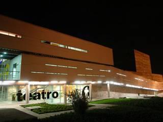 Nowoczesne domy od Elías Arquitectura Nowoczesny