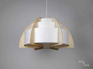 lom2 - Hängelampe Holz von lamp of mine Skandinavisch