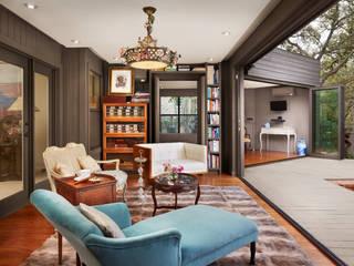 LE FUMOIR & GYM-San Antonio Texas: Salas de estilo moderno por Elías Arquitectura