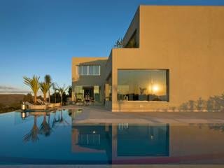 Residencia Serra dos Manacás: Casas  por Manuela Senna Arquitetura e Design de Interiores