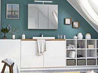 Baños de estilo  por deinSchrank.de GmbH