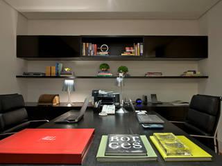 Estudios y oficinas modernos de Manuela Senna Arquitetura e Design de Interiores Moderno
