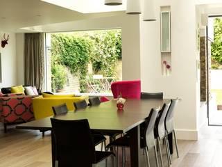 Gowan Avenue Modern dining room by Simon Gill Architects Modern