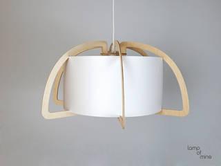 lom6 - Hängelampe Holz von lamp of mine Skandinavisch