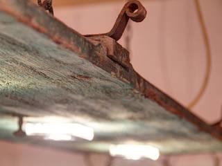 Stefan Necker Tegernseer Badmanufaktur & BadRaumKonzepte Dining roomLighting Solid Wood