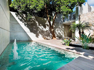 HPONCE ARQUITECTOS Modern pool