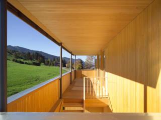 Modern Terrace by NACHBAUR WÖRTER ARCHITEKTEN Modern