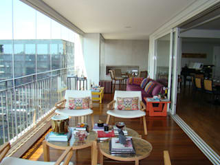 Modern Balkon, Veranda & Teras Luli Hamburger Arquitetura Modern