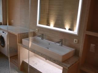 Baños modernos de Ulrich holz -Baddesign Moderno