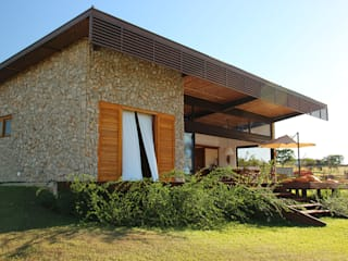 Country style houses by Ambienta Arquitetura Country