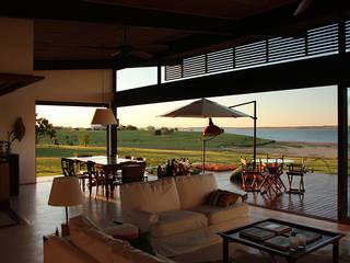 Salas de estilo rural de Ambienta Arquitetura Rural