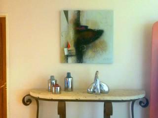 espacios con arte: Pasillos y recibidores de estilo  por Daniel Vidal