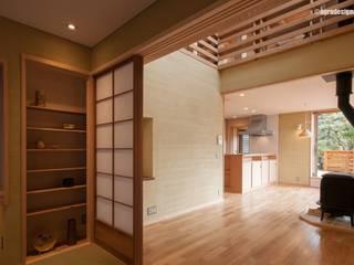 アグラ設計室一級建築士事務所 agra design room Livings de estilo ecléctico