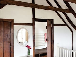 A 17th Century Historic Home in the English Countryside Quartos campestres por Heart Home magazine Campestre