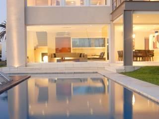 CASA EN CASTORES, NORDELTA Casas minimalistas de Ramirez Arquitectura Minimalista