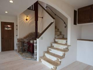株式会社アートカフェ Corridor, hallway & stairsStairs Beige