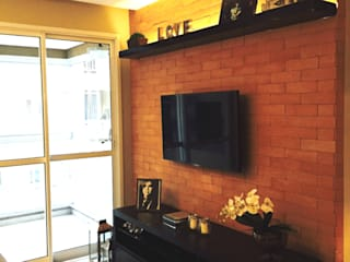 Living room by Suelen Kuss Arquitetura e Interiores, Rustic