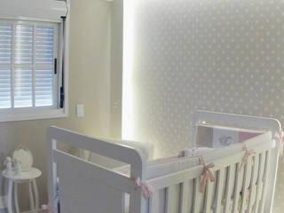 Suelen Kuss Arquitetura e Interiores Dormitorios infantiles de estilo clásico Beige