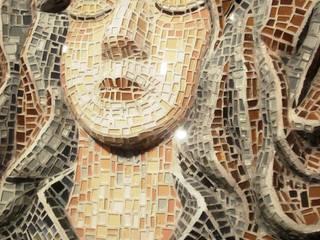 bas-relief in glass-mosaic di mosaico di Marzia Dottarelli Moderno