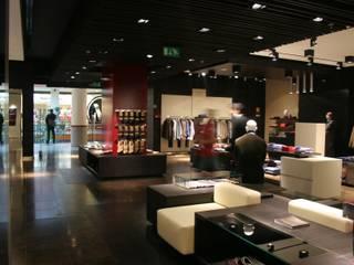 Diseño de nuevo concepto para locales MILANO Espacios comerciales de estilo moderno de gs arquitectos Moderno