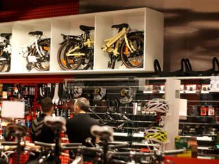Tienda de bicis SINGULARBIKES - Fuenlabrada - Madrid Espacios comerciales de estilo moderno de gs arquitectos Moderno