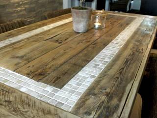 Tisch:   von MANUFAKTUR '73