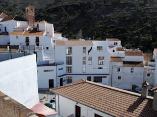 Nuevo Ayuntamiento en Salares (Málaga) Casas de estilo moderno de Coronástudios Moderno