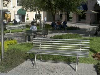 Nowoczesny ogród od Nacional de Bancas Nowoczesny