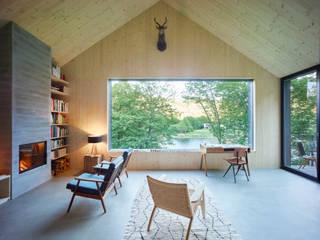 Salas modernas de Backraum Architektur Moderno