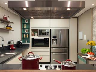Modern kitchen by Arquitetura 8 - Ana Spagnuolo & Marcos Ribeiro Modern