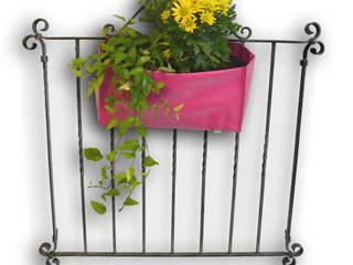 Jardiniere Balkon:   von Triva Holz+Textil