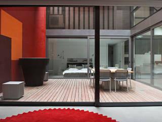 Modern houses by Estudio de Arquitectura Teresa Sapey Modern