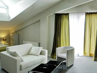 Alushta Royal Apartaments Soggiorno moderno di MG International Srl Moderno