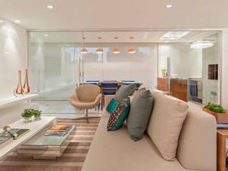 Modern Living Room by Carmen Calixto Arquitetura Modern
