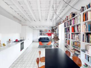 Salas de jantar  por manrique planas arquitectes, Moderno