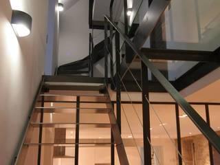 Verrières Atelier d'artistes Frédéric TABARY Couloir, entrée, escaliers industriels Fer / Acier Noir
