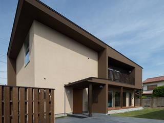 Casas modernas por ウメダタケヒロ建築設計事務所 Moderno