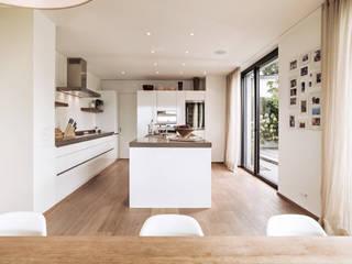 Cocinas de estilo  por meier architekten zürich