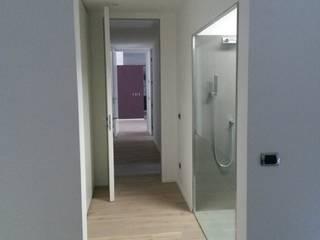 Appartamento privato 1 Bagno moderno di archzone srl Moderno
