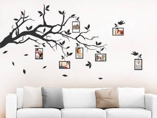 Wandtattoo Ast mit Fotos: modern  von Designscape Creative GmbH,Modern