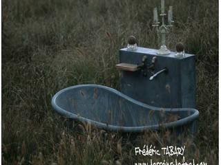Salles de bain Frédéric TABARY Salle de bainBaignoires & douches Marbre Multicolore