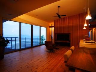 海の家Ⅰ: Y.Architectural Designが手掛けたリビングです。